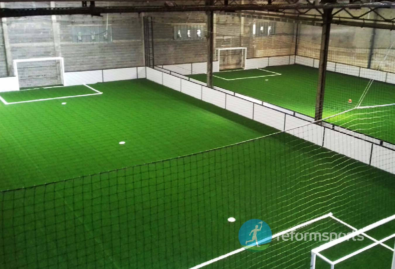 Terrain de football en salle Planet France Construction